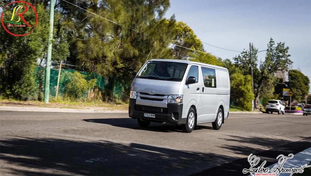 Cho thuê xe 16 chỗ Toyota HiAce 2016